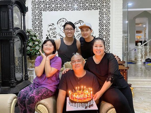 Đột ngột giải nghệ năm 30 tuổi và kết hôn với Hồng Vân, Lê Tuấn Anh sống ra sao? - Ảnh 5.
