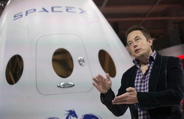 Elon Musk: Từ một đứa trẻ bị bắt nạt, nguồn cảm hứng cho Iron man, đến người giàu nhất hành tinh - Ảnh 14.