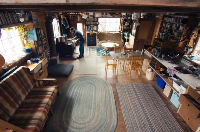 Ông lão mua một căn nhà rộng 70m2 trên mặt nước, sống nhàn nhã một mình hơn 30 năm: Không bị vật chất bó buộc , thế giới tinh thần trở nên phong phú hơn! - Ảnh 20.