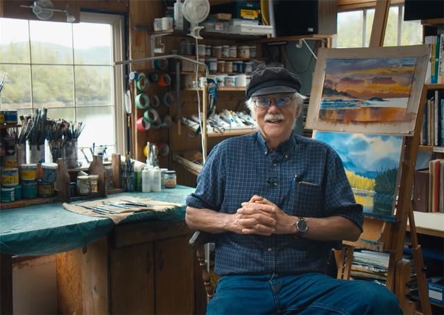 Ông lão mua một căn nhà rộng 70m2 trên mặt nước, sống nhàn nhã một mình hơn 30 năm: Không bị vật chất bó buộc , thế giới tinh thần trở nên phong phú hơn! - Ảnh 1.