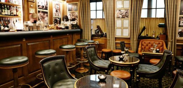 Cha đẻ khách sạn yêu thích của Coco Chanel, Ernest Hemingway… và thương hiệu gắn liền với những penthouse hàng chục triệu đô là ai? - Ảnh 1.