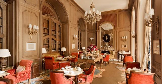 Cha đẻ khách sạn yêu thích của Coco Chanel, Ernest Hemingway… và thương hiệu gắn liền với những penthouse hàng chục triệu đô là ai? - Ảnh 2.