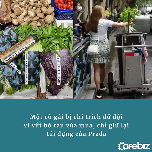 Prada bọc mớ rau, quả trứng bằng túi chính hãng, có người mua xong vứt luôn vào thùng rác, chỉ giữ lại chiếc túi, gây phẫn nộ  - Ảnh 2.