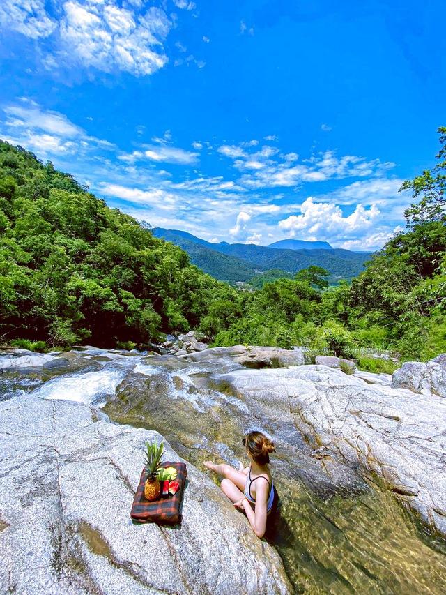 Thác Savin - nơi lý tưởng để tắt smartphone, ngồi chill giữa thiên nhiên, tha hồ bắt cá tắm suối cuối tuần - Ảnh 1.