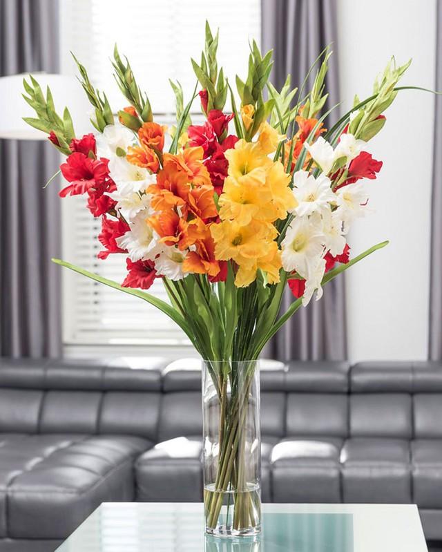 7 loại hoa cúng trên bàn thờ Tết vừa đẹp vừa hợp phong thủy và những kiêng kị khi chọn hoa - Ảnh 1.
