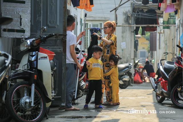 Tết xa quê của những công nhân ngoại tỉnh ở Hà Nội: Con tôi nhớ ông bà lắm, nhưng chỉ khi nào hết dịch, khi đó mới là Tết - Ảnh 3.
