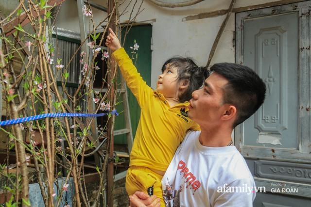 Tết xa quê của những công nhân ngoại tỉnh ở Hà Nội: Con tôi nhớ ông bà lắm, nhưng chỉ khi nào hết dịch, khi đó mới là Tết - Ảnh 9.
