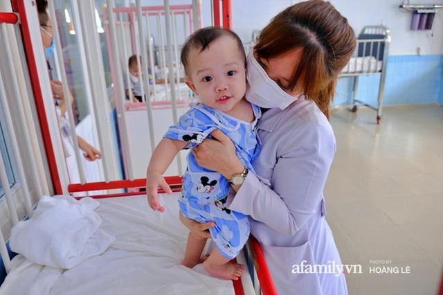 Cái Tết đầu đời trong bệnh viện, không gia đình của 6 đứa trẻ bị mẹ bỏ rơi ngay từ khi lọt lòng - Ảnh 14.