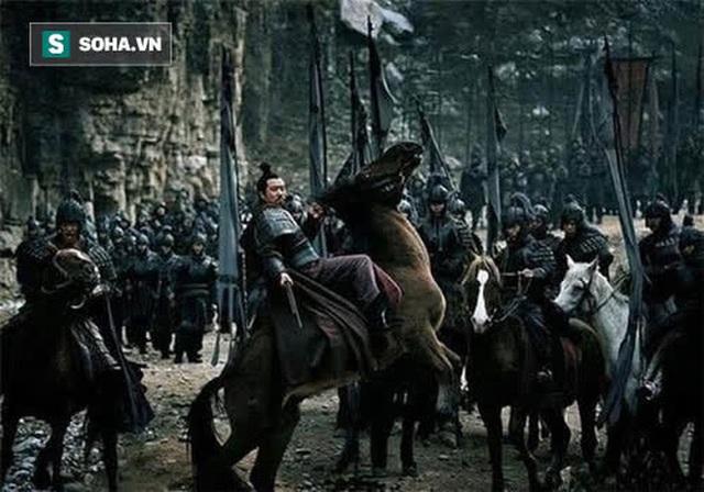 Bất chấp can gián cố tình phát động trận Di Lăng, cớ sao đang lúc binh lực hùng hậu, thắng lợi tới tấp, Lưu Bị lại nhanh chóng đại bại dưới tay Đông Ngô? - Ảnh 2.