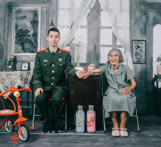 Sự thật phía sau bộ ảnh cưới của chàng lính cứu hoả 24 tuổi và cụ bà 85 tuổi - Ảnh 2.