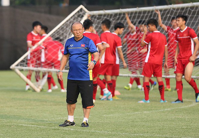 Vì sao Việt Nam không đăng cai Vòng loại World Cup 2022? - Ảnh 1.