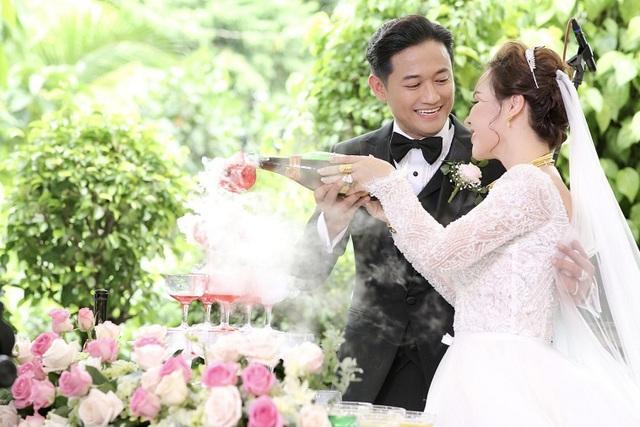 Vừa tài vừa đảm như vợ đại gia của Quý Bình: Là CEO công ty địa ốc hàng đầu Phú Quốc nhưng về nhà vẫn nhún nhường chồng - Ảnh 3.