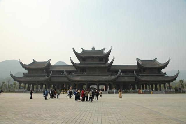 Vẻ đẹp trầm mặc và nên thơ của chùa Tam Chúc - Ảnh 11.