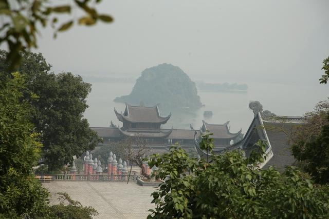 Vẻ đẹp trầm mặc và nên thơ của chùa Tam Chúc - Ảnh 12.