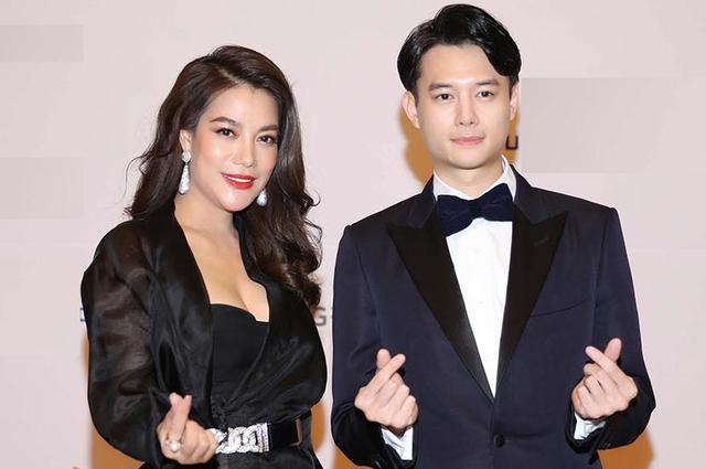 4 cặp chị em làm dậy sóng showbiz Việt đầu năm 2021 - Ảnh 1.