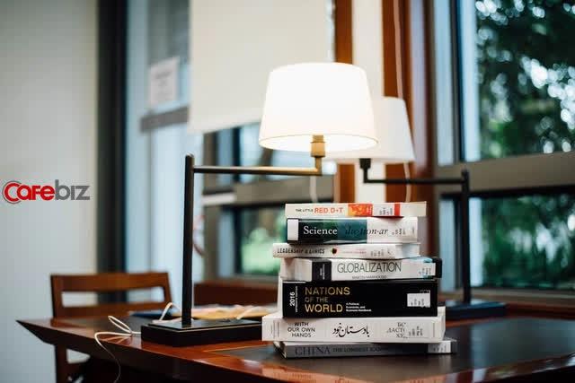 4 thái độ đúng đắn của người BIẾT ĐỌC: đọc sách là phải biết chọn, biết nghiền ngẫm - Ảnh 1.