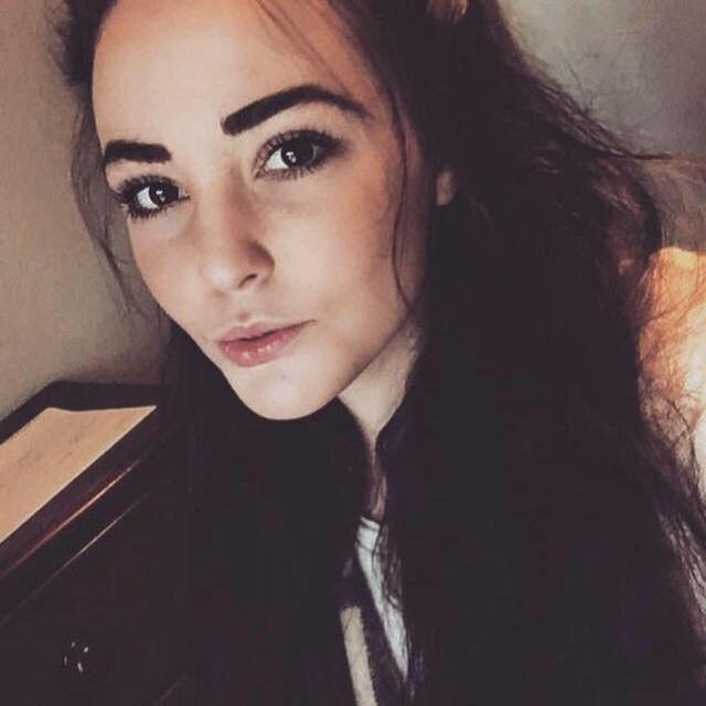 Cam girl: Những cô gái uốn éo chat sex trước webcam, thu nhập khủng nhưng ẩn chứa mảng tối đáng sợ, thậm chí từng gây chết người - Ảnh 3.