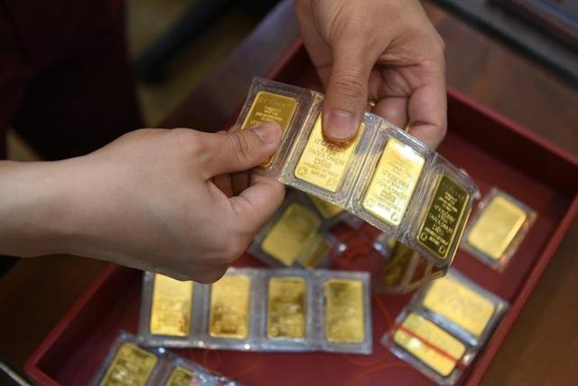 Trước ngày Thần Tài, một người bán 130 cây vàng thu về hơn 7,2 tỉ đồng - Ảnh 4.