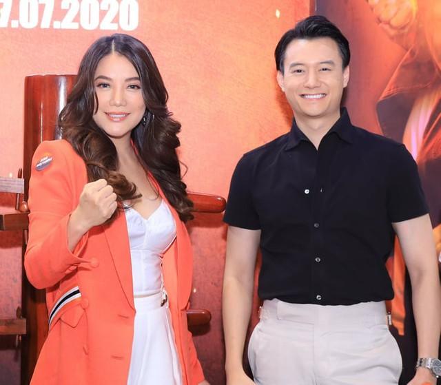 4 cặp chị em làm dậy sóng showbiz Việt đầu năm 2021 - Ảnh 2.