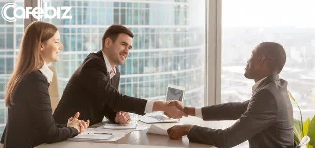"""Bạn không nhận được mức lương cao? Lý do đến từ """"những người bạn biết"""" chứ không hẳn là """"những điều bạn biết"""" - Ảnh 3."""