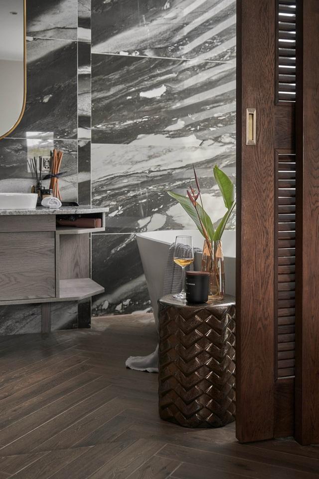 Vợ chồng trẻ có căn villa hai mặt tiền rộng 500m2 , phòng tắm chill như resort 5 sao - Ảnh 11.