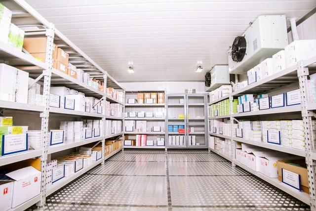 Việt Nam có 3 kho bảo quản vắc xin Covid-19 ở nhiệt độ siêu lạnh -40 đến -86 độ C - Ảnh 1.