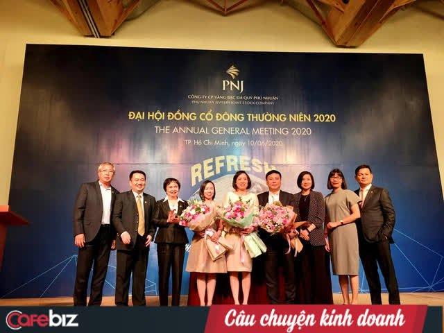 Chân dung 3 ái nữ nghìn tỷ của chủ tịch PNJ Cao Thị Ngọc Dung: Xinh đẹp, cá tính, đều là tiến sĩ Harvard và Oxford - Ảnh 1.