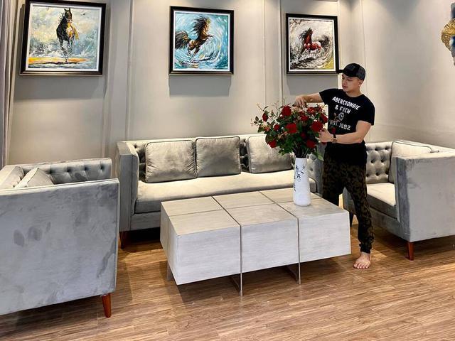 Đầu tư 20 tỷ vào chuỗi cầm đồ T99, Cao Thái Sơn là đại gia BĐS tiếng tăm của showbiz: Hỏi có bao nhiêu căn nhà như hỏi mình có bao nhiêu bài hát - Ảnh 9.