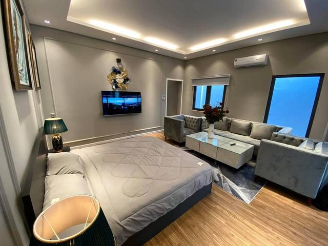 Đầu tư 20 tỷ vào chuỗi cầm đồ T99, Cao Thái Sơn là đại gia BĐS tiếng tăm của showbiz: Hỏi có bao nhiêu căn nhà như hỏi mình có bao nhiêu bài hát - Ảnh 8.
