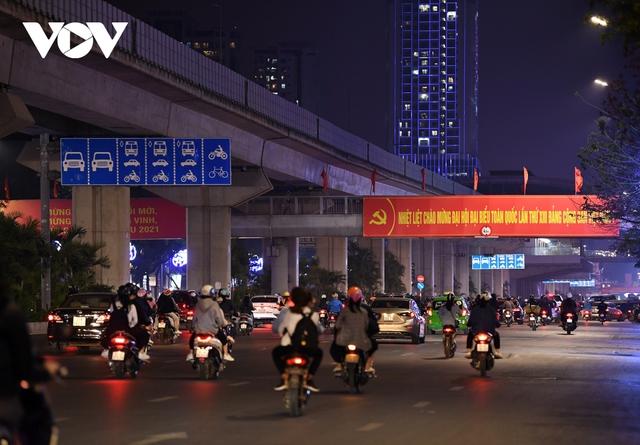 (Ảnh) Phố phường Hà Nội giờ tan tầm những ngày chống dịch Covid-19 không còn cảnh ùn tắc - Ảnh 11.