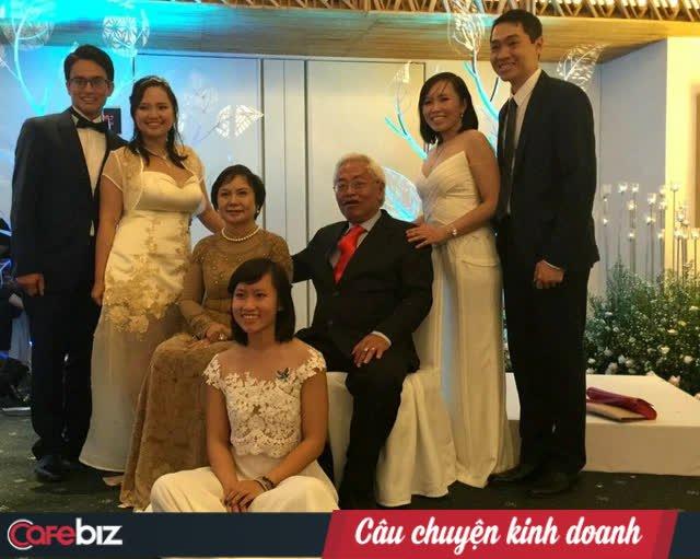 Chân dung 3 ái nữ nghìn tỷ của chủ tịch PNJ Cao Thị Ngọc Dung: Xinh đẹp, cá tính, đều là tiến sĩ Harvard và Oxford - Ảnh 2.