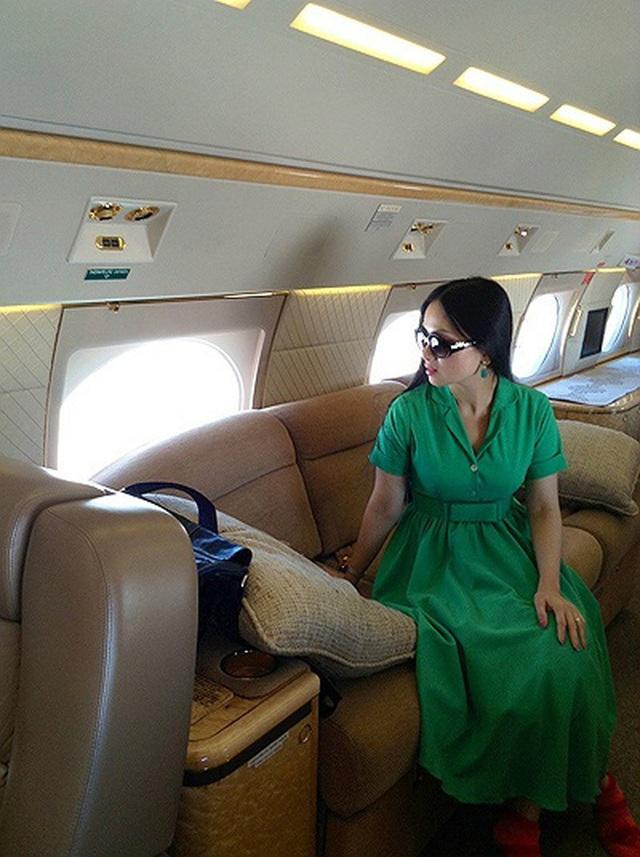 Lấy chồng tỷ phú từng khiến Donald Trump sôi máu, trở thành người Việt giàu nhất thế giới, cuộc sống của Hà Phương - em gái Cẩm Ly, bây giờ ra sao? - Ảnh 12.