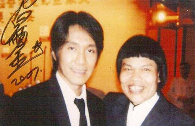 Nam diễn viên xấu nhất phim Châu Tinh Trì: Đóng phim vì đam mê, giàu có, nhiều nhà nhiều xe nhưng đường tình duyên lận đận - Ảnh 1.