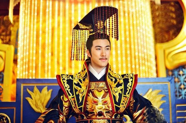 Hoàng đế diễn sâu nhất lịch sử Trung Hoa: Giả ngốc suốt 36 năm, vừa lên ngôi đã thể hiện mưu trí hơn người, lập tức xử kẻ đối đầu - Ảnh 2.