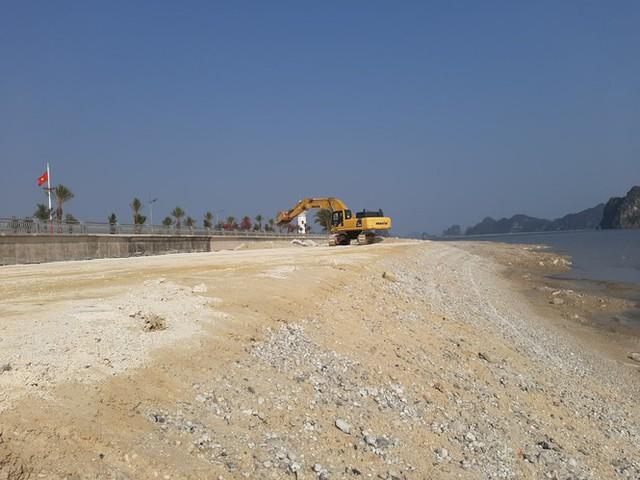 Lấn chiếm vịnh trái phép, chủ dự án BĐS hot nhất Vân Đồn buộc trả nguyên trạng - Ảnh 2.