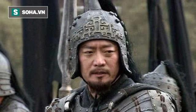 Thừa biết đối thủ kém hơn mình, Quan Vũ vẫn nói với Trương Phi Võ nghệ của người này không hề thua kém chúng ta, người này là ai? - Ảnh 1.