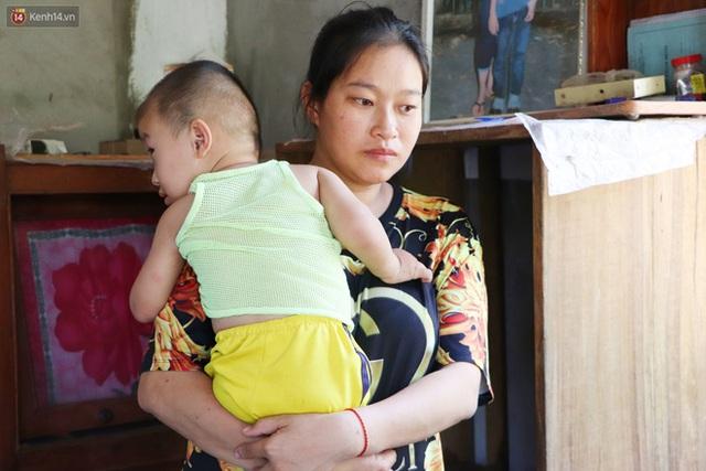 Chồng bỏ, người mẹ trẻ ôm 2 con khờ cầu cứu: Em chỉ ước con mình được chữa bệnh - Ảnh 5.