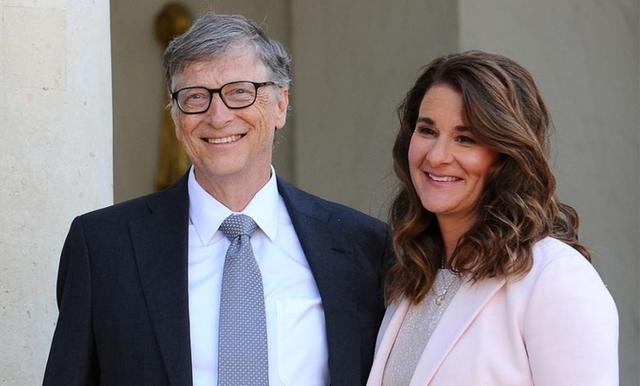 Vợ và bạn gái của những tỷ phú nổi tiếng thế giới từng làm nghề gì? - Ảnh 2.