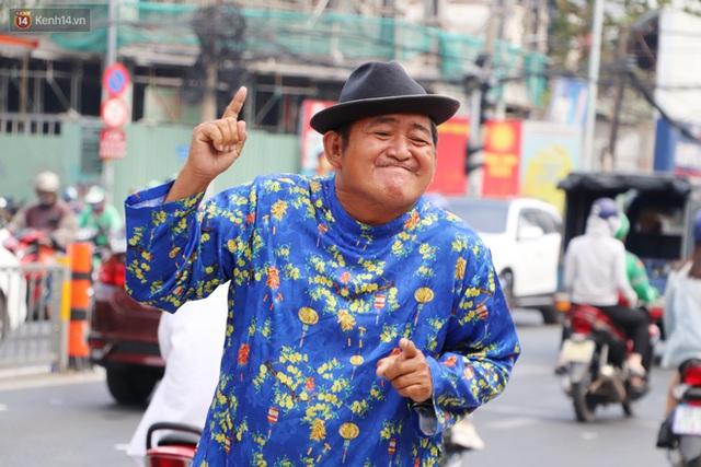 Gặp người cha khùng mặc áo dài nhảy múa trên đường phố Sài Gòn nuôi 3 đứa con ăn học: Mình có lường gạt ai đâu mà phải xấu hổ - Ảnh 17.