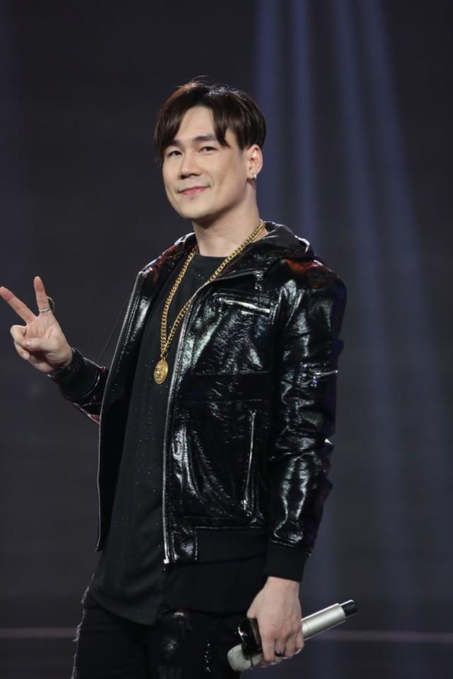 Sở hữu 3 bằng ĐH, cậu ấm Khánh Phương sống trong biệt thự 200 tỷ đồng, bố mẹ làm kinh doanh nhưng vẫn chọn đam mê ca hát - Ảnh 3.