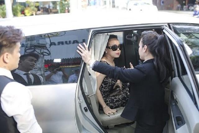 Nữ danh hài giàu nhất Vbiz Việt Hương: Cho thuê 8 căn hộ V.homes, thường xuyên thay đổi xế hộp, mua quá nhiều hột xoàn tới mức không muốn đeo - Ảnh 5.