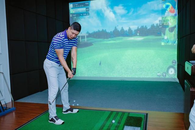 Golfer nổi tiếng giới doanh nhân Đặng Hồng Anh bắt tay đại gia Hàn Quốc Golfzon tham vọng khuynh đảo ngành golf giả lập Việt Nam - Ảnh 2.