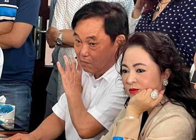 Anh rể Võ Hoàng Yên ở Bình Thuận: Vợ ông Dũng lò vôi từng cao hứng cho mỗi người nhà ông Yên 2 miếng đất - Ảnh 3.