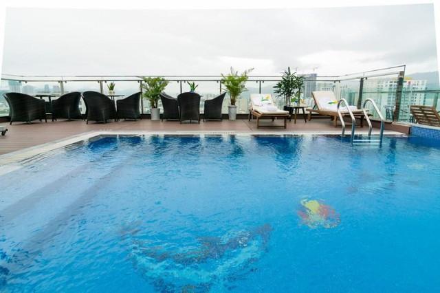 """Loạt khách sạn 4 sao Đà Nẵng giá rẻ """"giật mình"""": Chưa tới 500k/đêm, vị trí ngay trung tâm, có cả hồ bơi, ăn sáng miễn phí - Ảnh 5."""