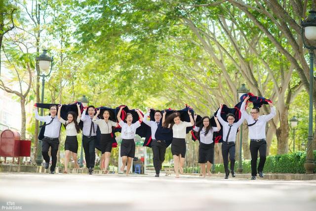 Một trường Đại học cung điện độc nhất vô nhị, ở Việt Nam mà cứ tưởng lạc tới trời Âu, có cả công viên giải trí siêu hoành tráng - Ảnh 11.