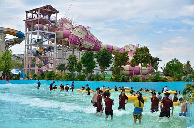 Một trường Đại học cung điện độc nhất vô nhị, ở Việt Nam mà cứ tưởng lạc tới trời Âu, có cả công viên giải trí siêu hoành tráng - Ảnh 13.