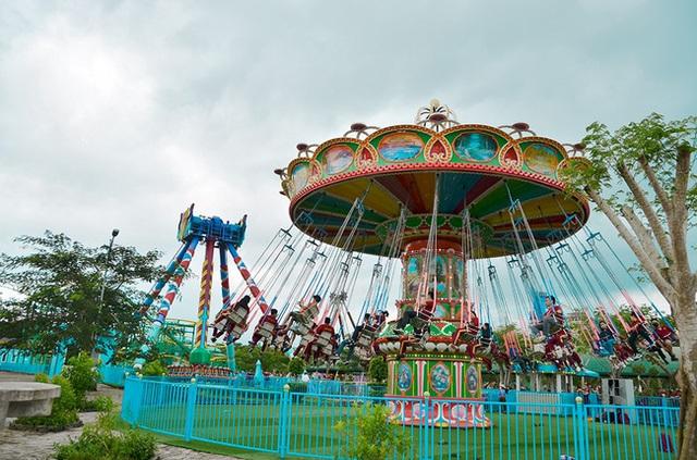 Một trường Đại học cung điện độc nhất vô nhị, ở Việt Nam mà cứ tưởng lạc tới trời Âu, có cả công viên giải trí siêu hoành tráng - Ảnh 14.