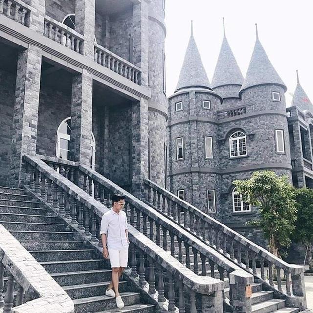 Một trường Đại học cung điện độc nhất vô nhị, ở Việt Nam mà cứ tưởng lạc tới trời Âu, có cả công viên giải trí siêu hoành tráng - Ảnh 15.