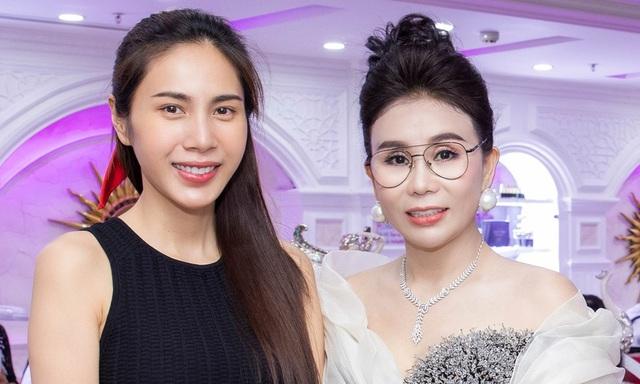 Nữ đại gia U50 - chủ viện thẩm mỹ nổi tiếng ở Sài Gòn sở hữu dàn siêu xe trăm tỷ, tiết lộ bỏ hàng chục tỷ trả lương cho nhân viên, tạp vụ thấp nhất cũng từ 10 triệu trở lên! - Ảnh 3.