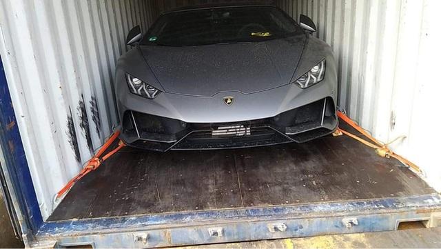 Lộ diện Lamborghini Huracan EVO hàng độc về Việt Nam: Siêu nhẹ, siêu mạnh cùng màu sơn hiếm có - Ảnh 1.